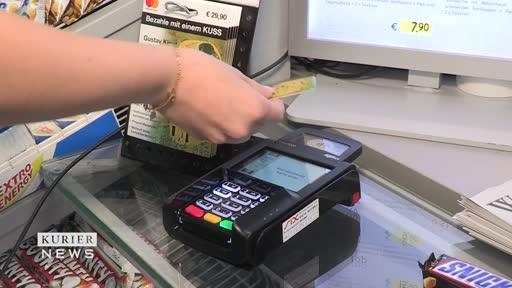 Hitzebeständige Mini-Bankomatkarte soll Bargeld ablösen