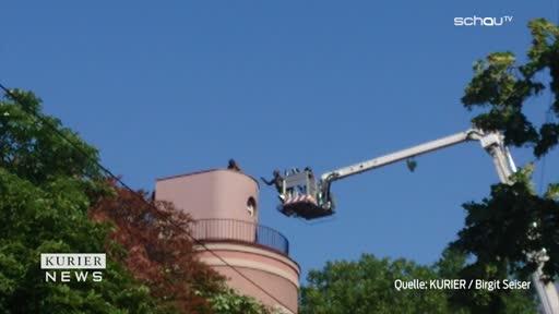 Polizeieinsatz: Straftäter flüchtet aufs Dach