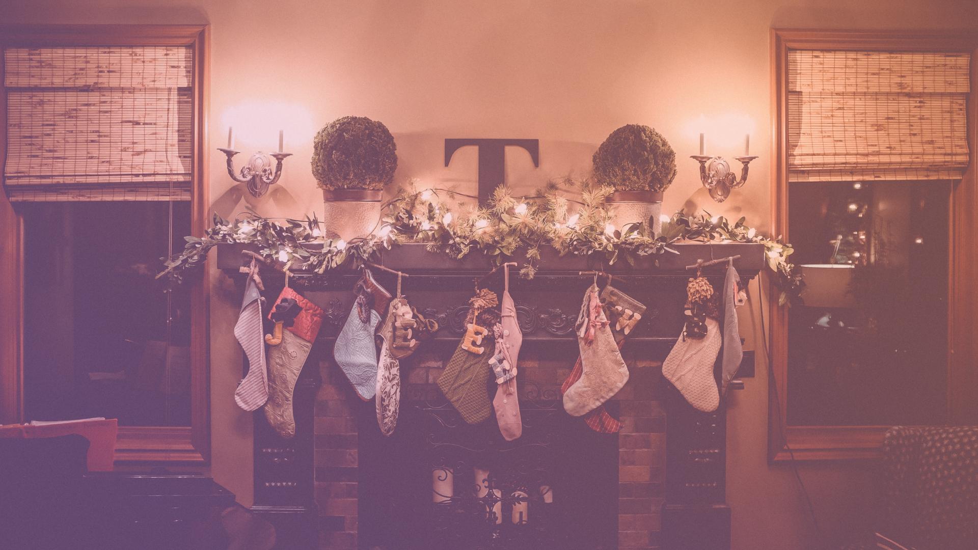 Auch die Promis kommen langsam in Weihnachtsstimmung! | k.at